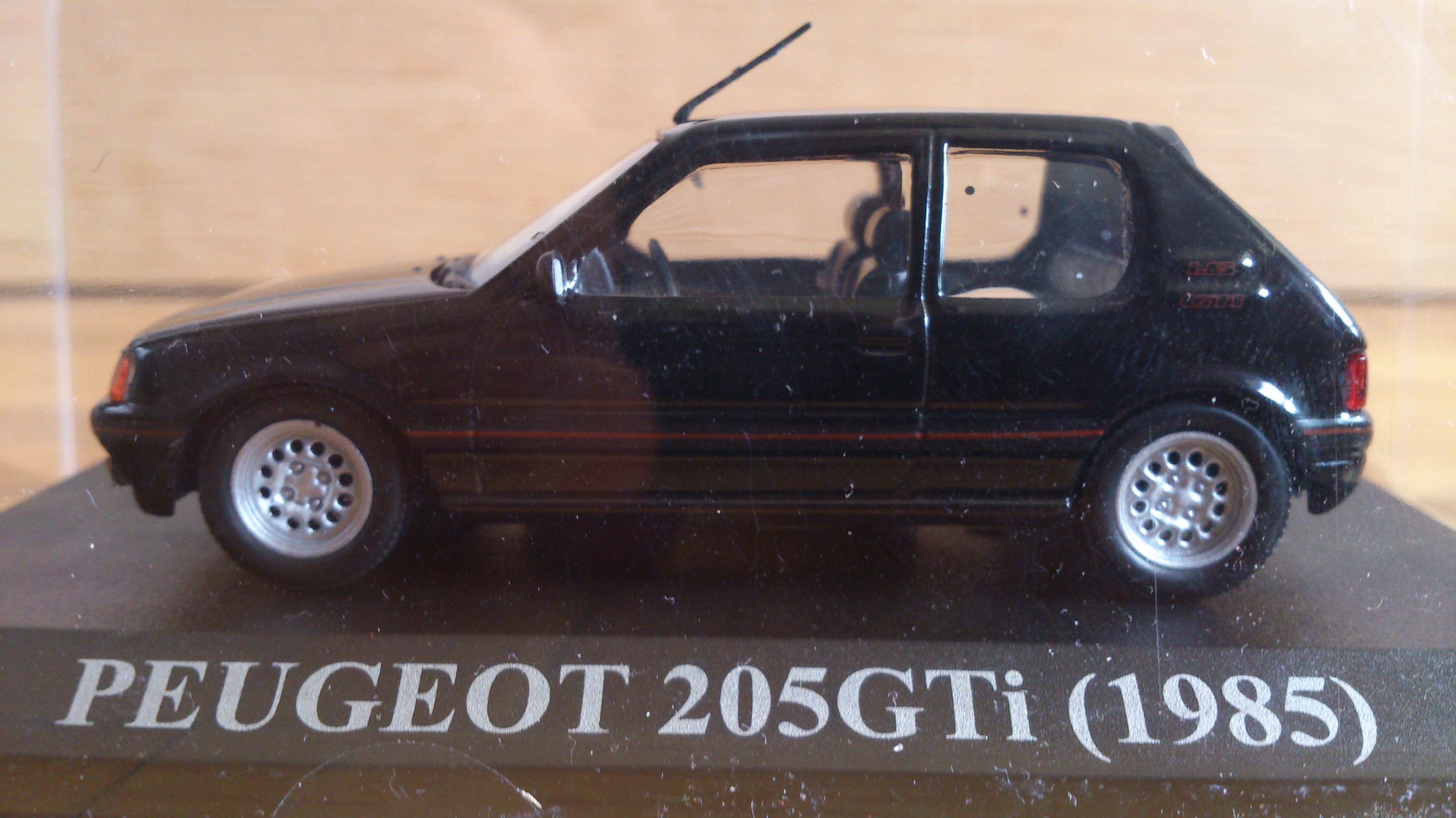 peugeot-205-gti