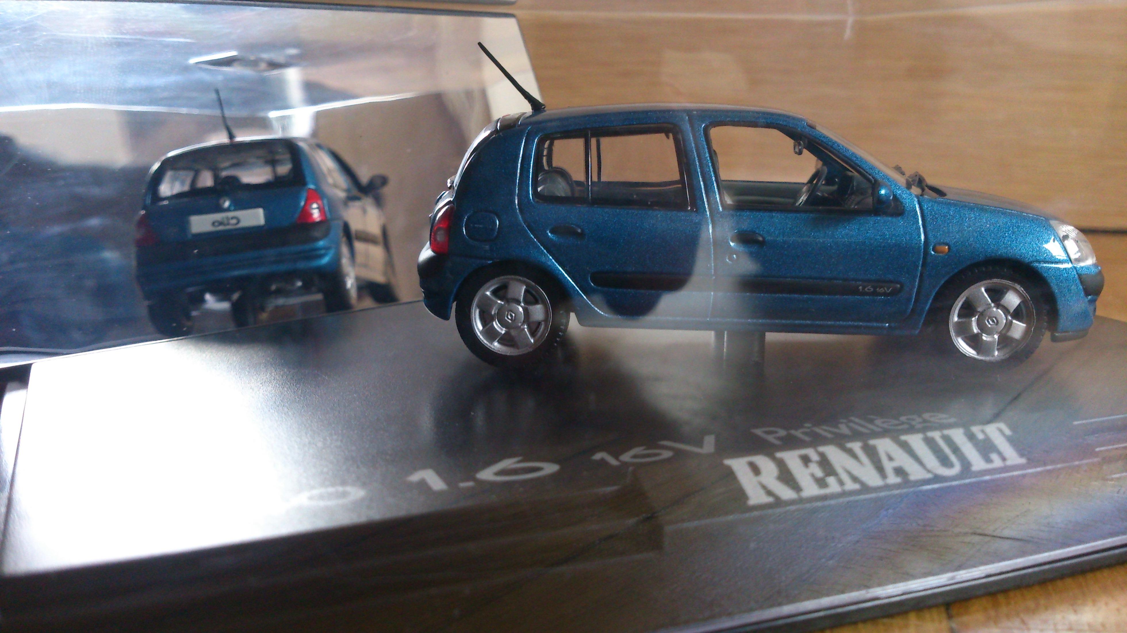renault-clio-1l6-16v