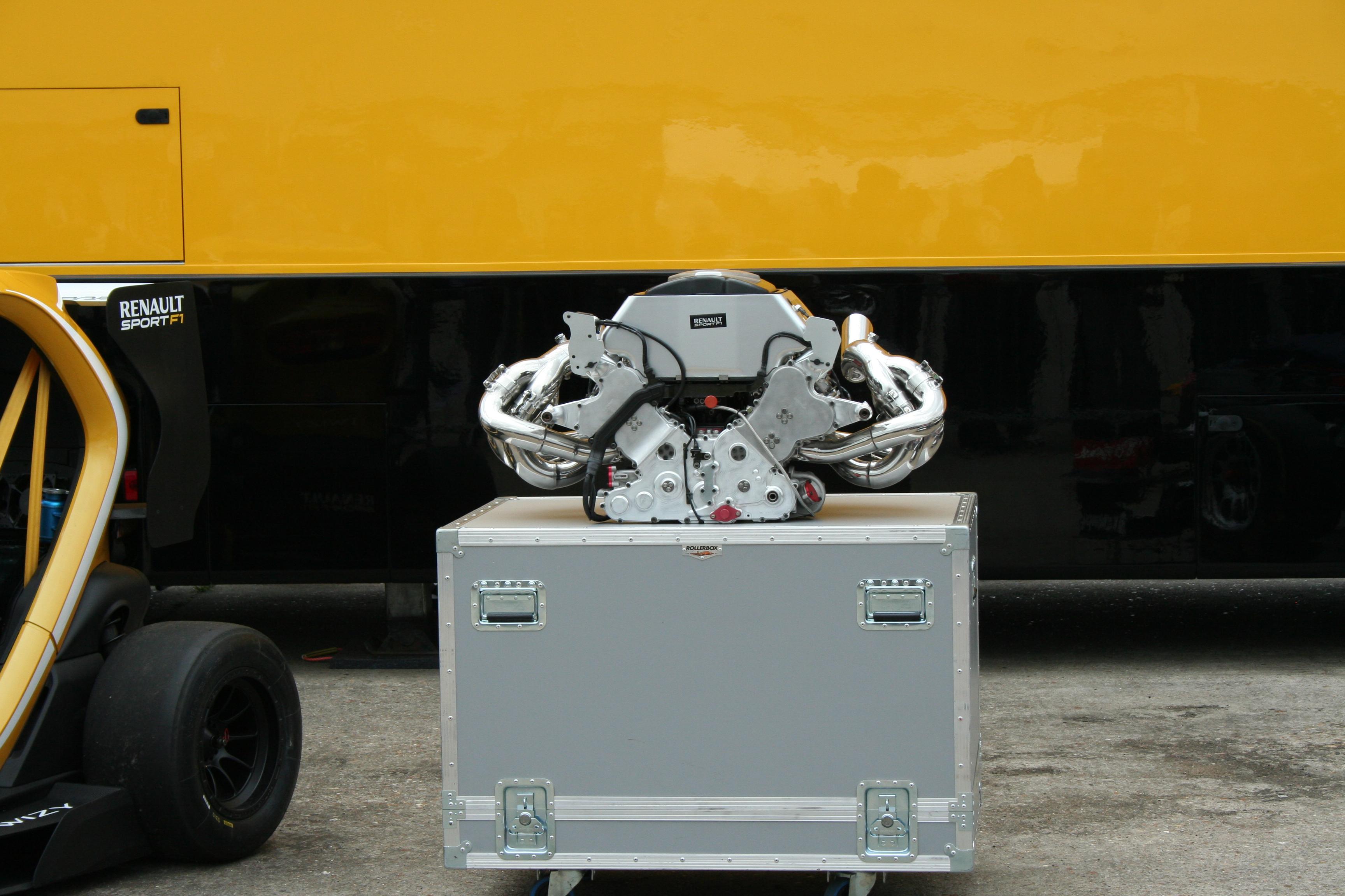 Moteur R27 F1