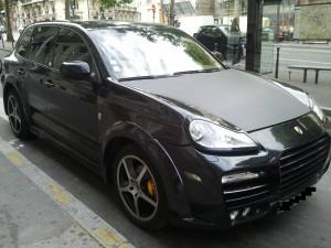 Porsche-cayenne-magnum